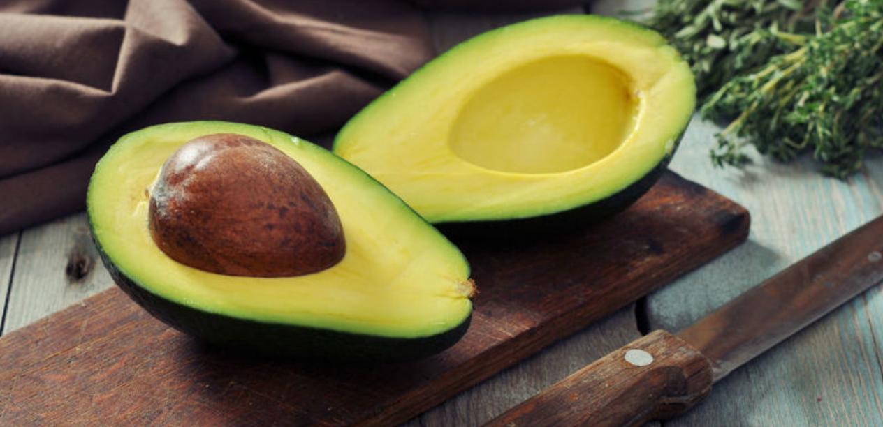 Halve avocado over? Dankzij deze uitvinding wordt ie niet bruin