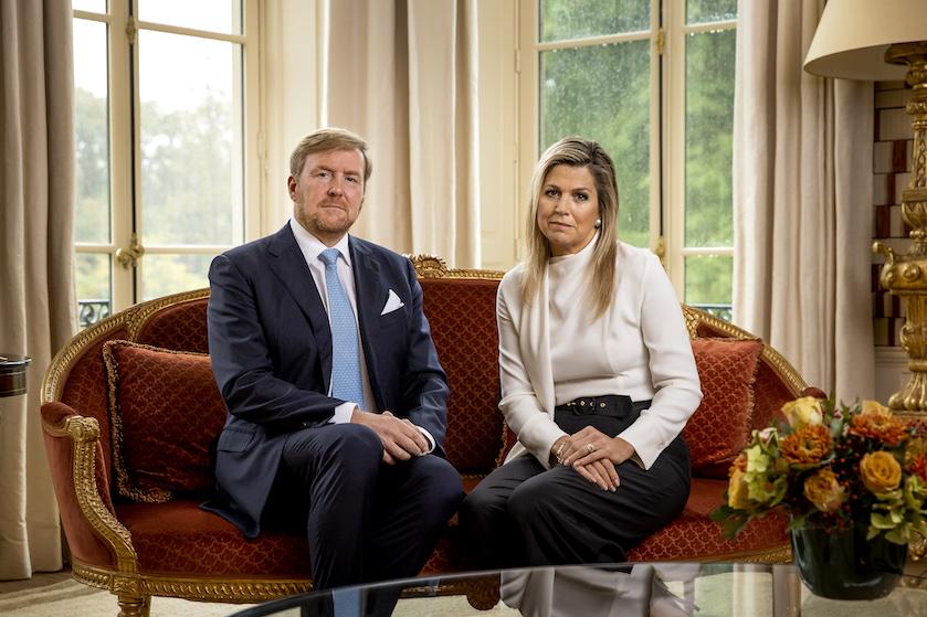 Koning Willem-Alexander diep door het stof in excuusvideo na 'onverstandige' Griekenland-vakantie
