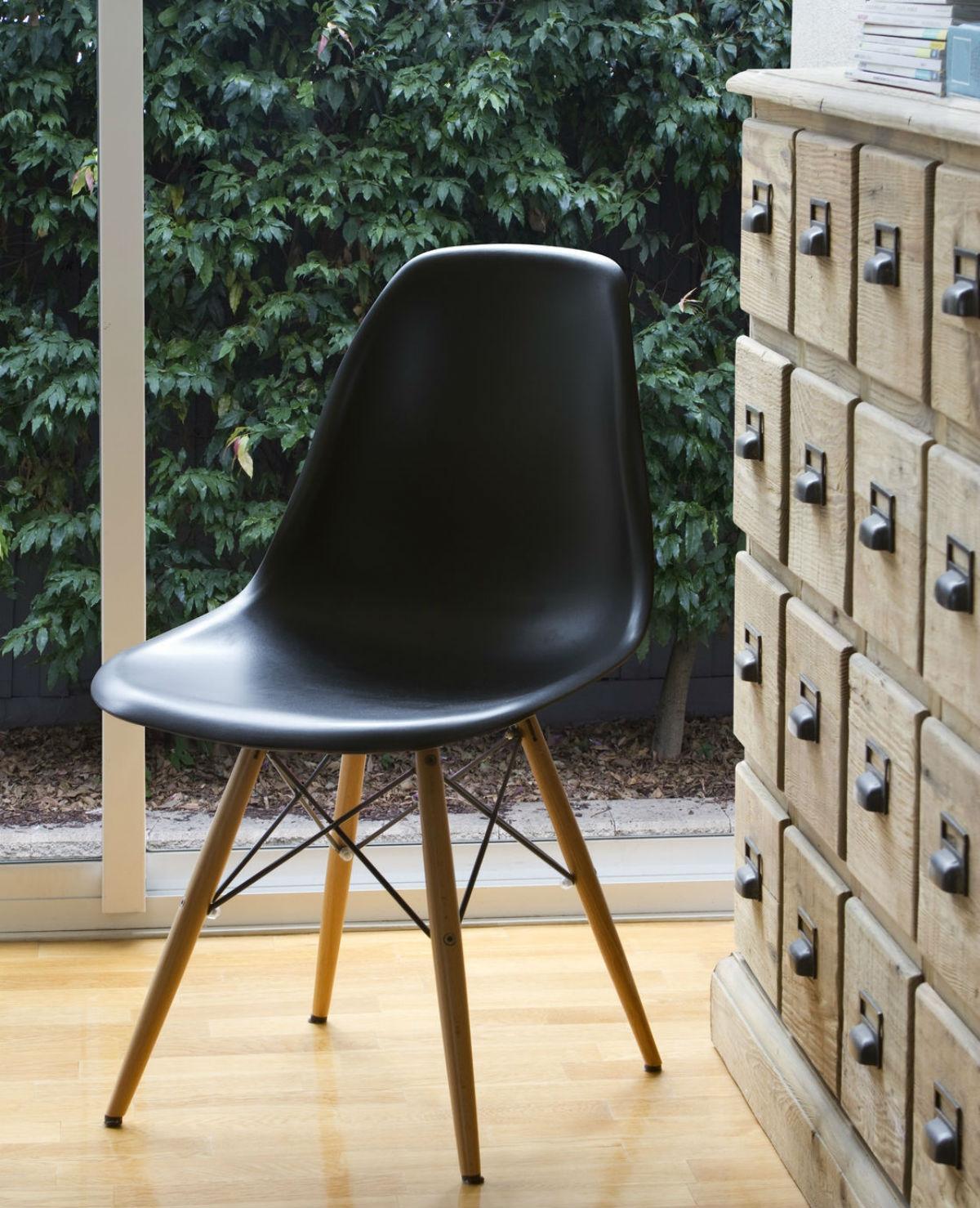 Shopping: goedkope designer-lookalike stoelen
