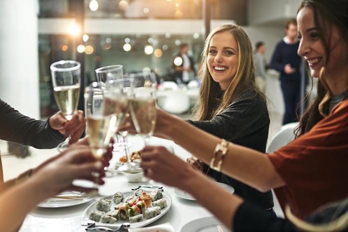 Waarom je beter niet naar een restaurant kunt gaan waar harde muziek draait