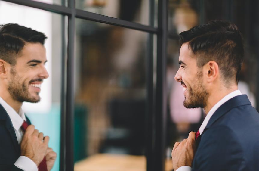 10 tekenen dat je datet met een narcist