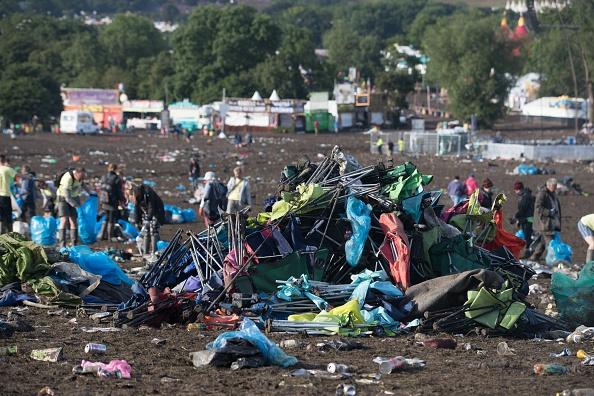 VIDEO: niet te geloven wat festivalgangers allemaal achterlaten op de camping
