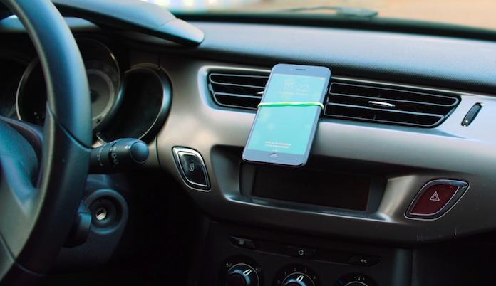 Life hack: zo maak je een smartphonehouder voor in de auto