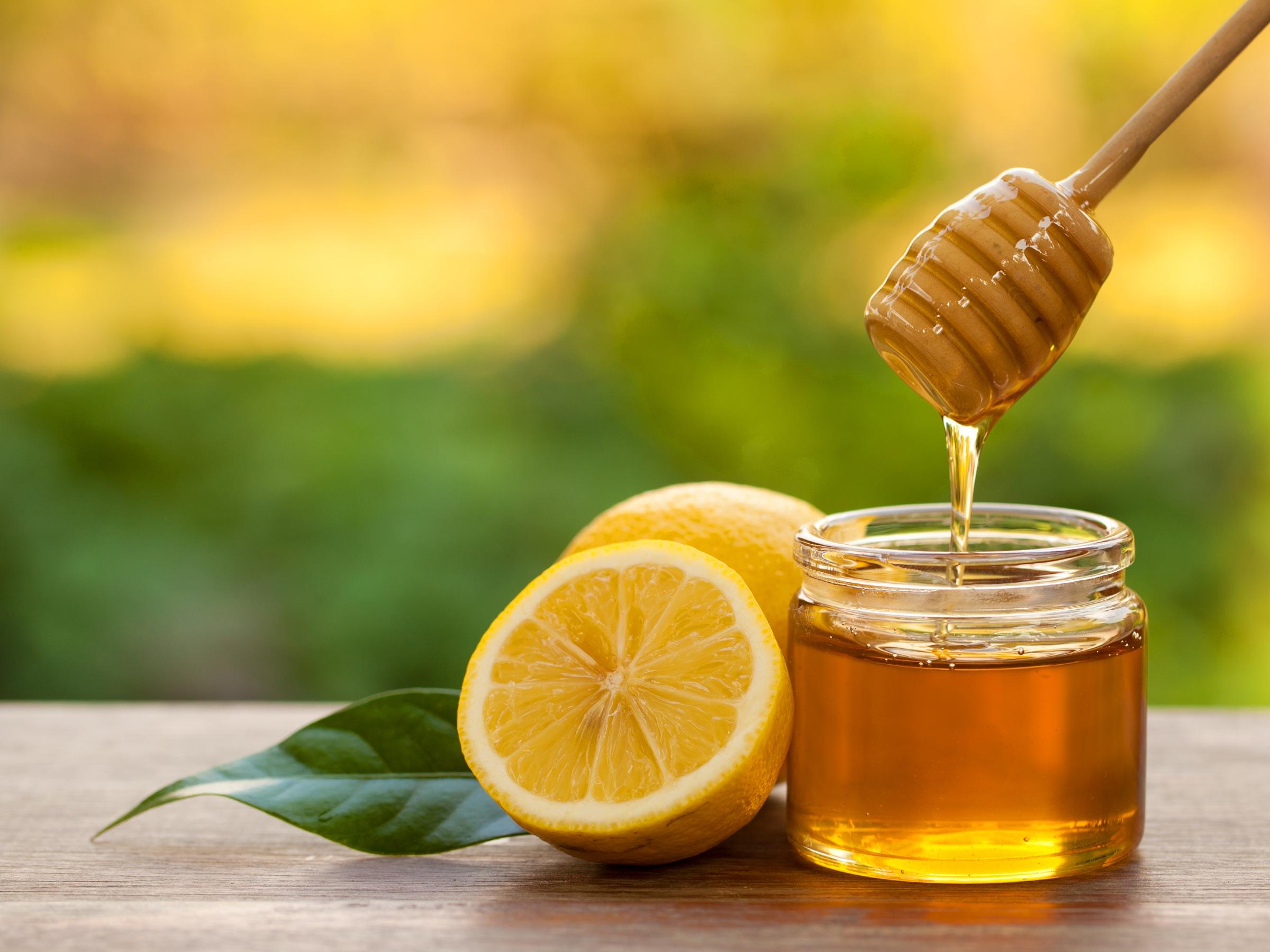 Zo maak je hard geworden honing in een handomdraai weer vloeibaar