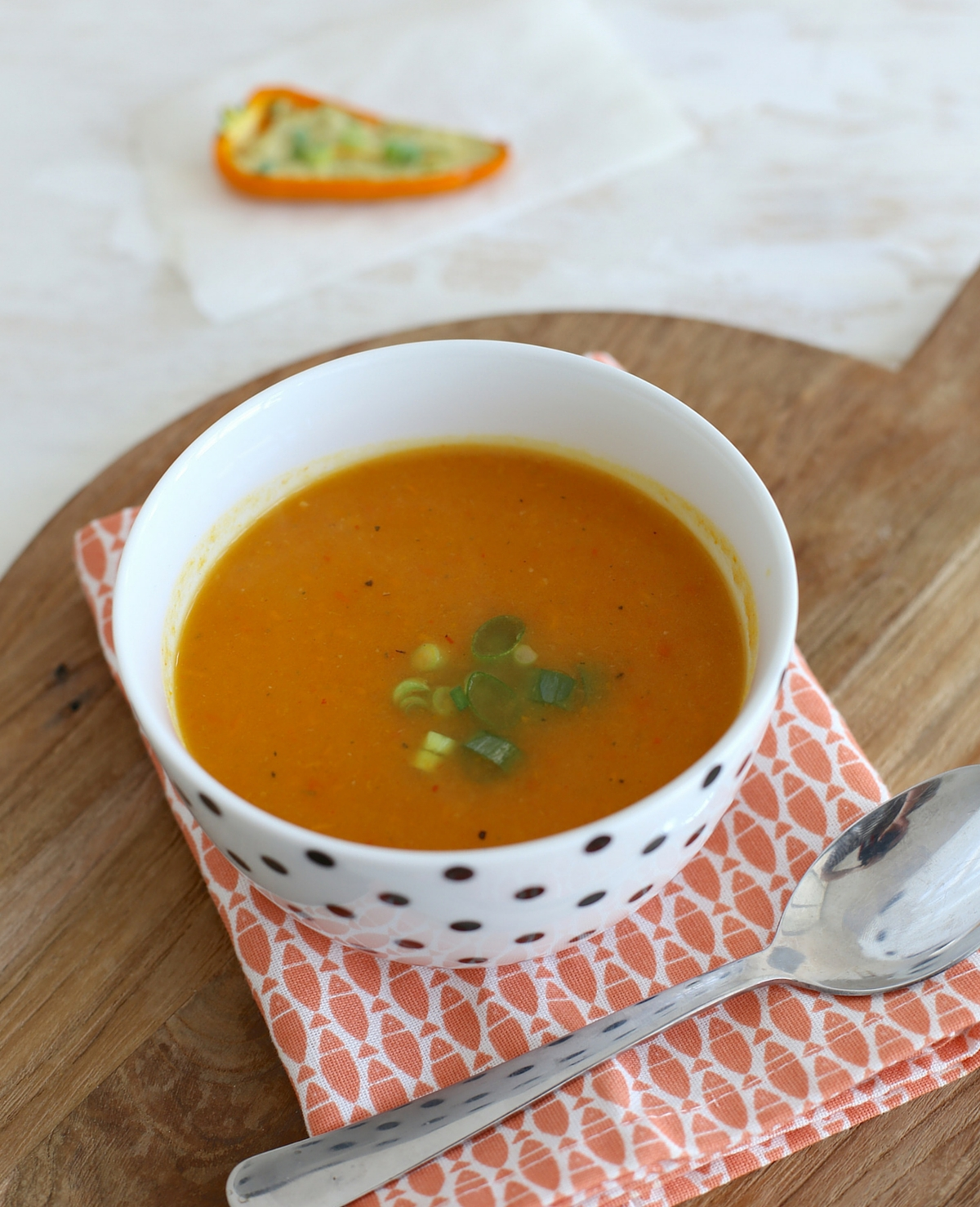 Oranjesoep met pompoen en wortel