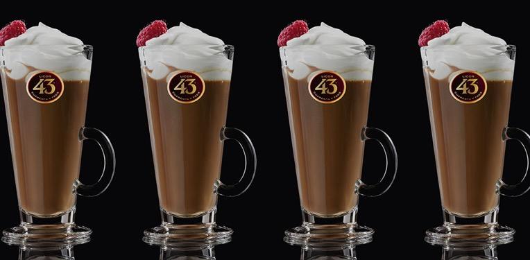 Deze chocoladecocktail met Licor 43 is alles wat je nodig hebt om de winter te overleven