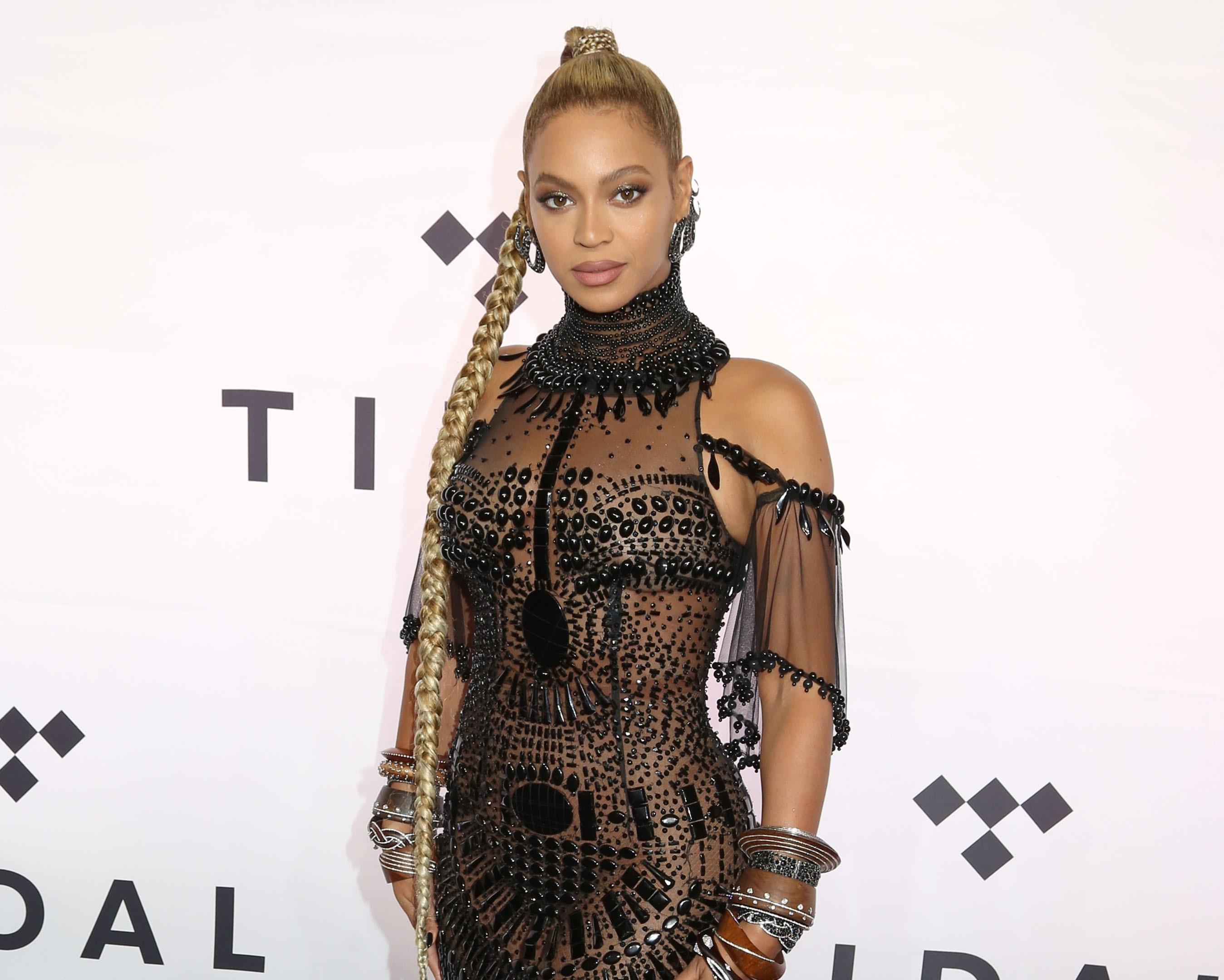 Wauw! Nooit eerder vertoonde beelden van een jonge Beyoncé opgedoken!