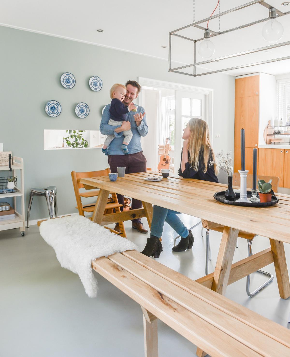Een warm huis met ontwerp uit eigen schuur