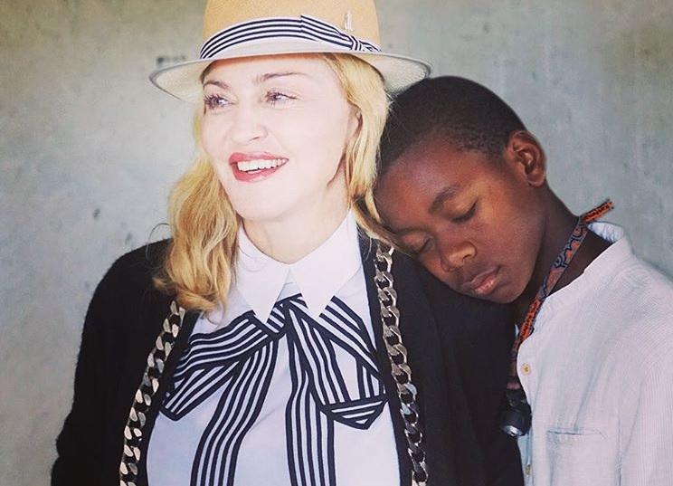 UPDATE: Eerste foto van de geadopteerde tweeling van Madonna