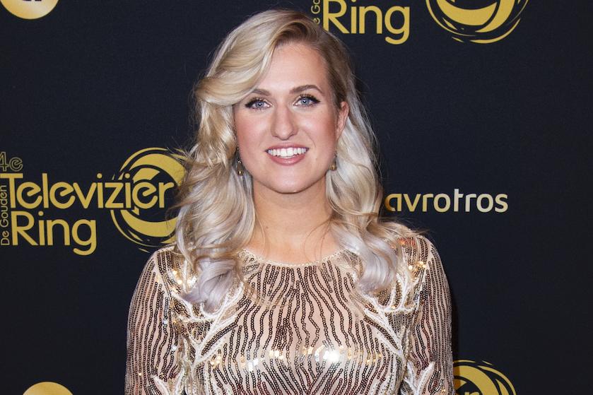 Fans jaloers op 'afgetraind' lichaam Britt Dekker: 'Ik wil ook een sixpack!'