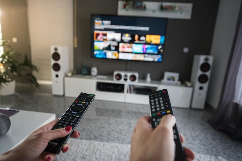 Keuzestress tijdens een avondje bingen? Netflix komt met shuffle-functie