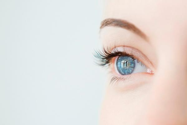 6 tips voor mooie wimpers zonder mascara