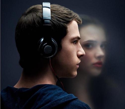 ZIEN: Deze Netflix-serie geproduceerd door Selena Gomez wordt je nieuwste verslaving