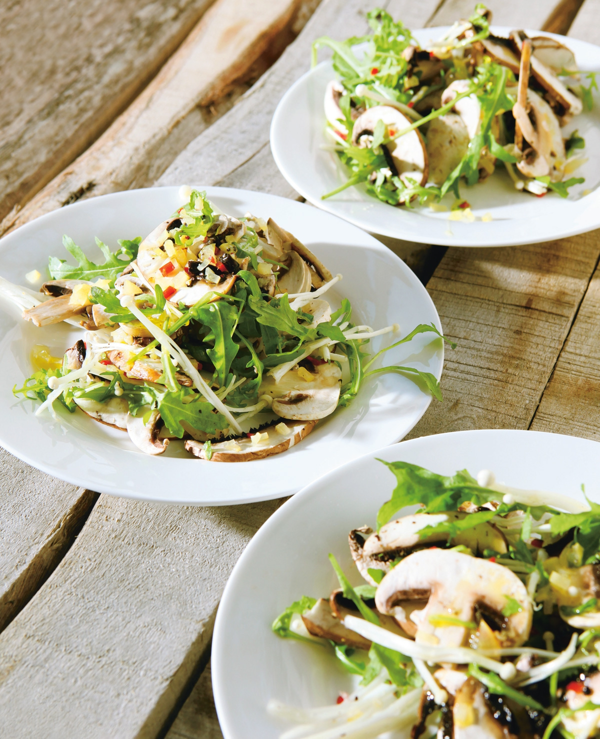 Culi: Rauwe paddenstoelen met chilipeper en ingemaakte citroen