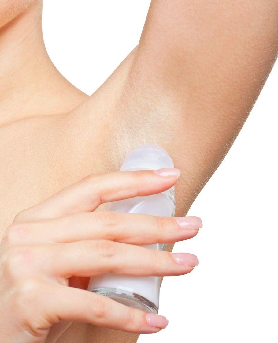 Deodorant sprayen voor het slapengaan?