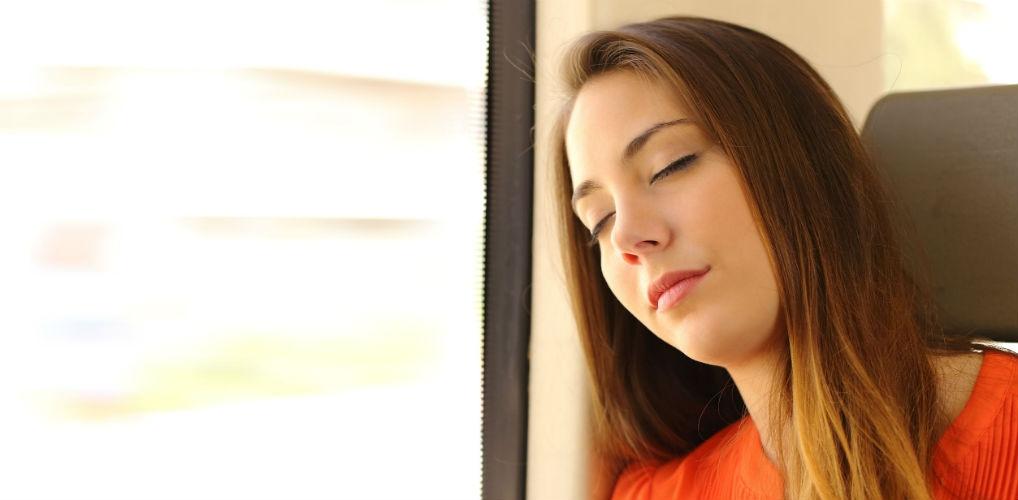 Waarom je tóch wakker wordt bij het juiste station