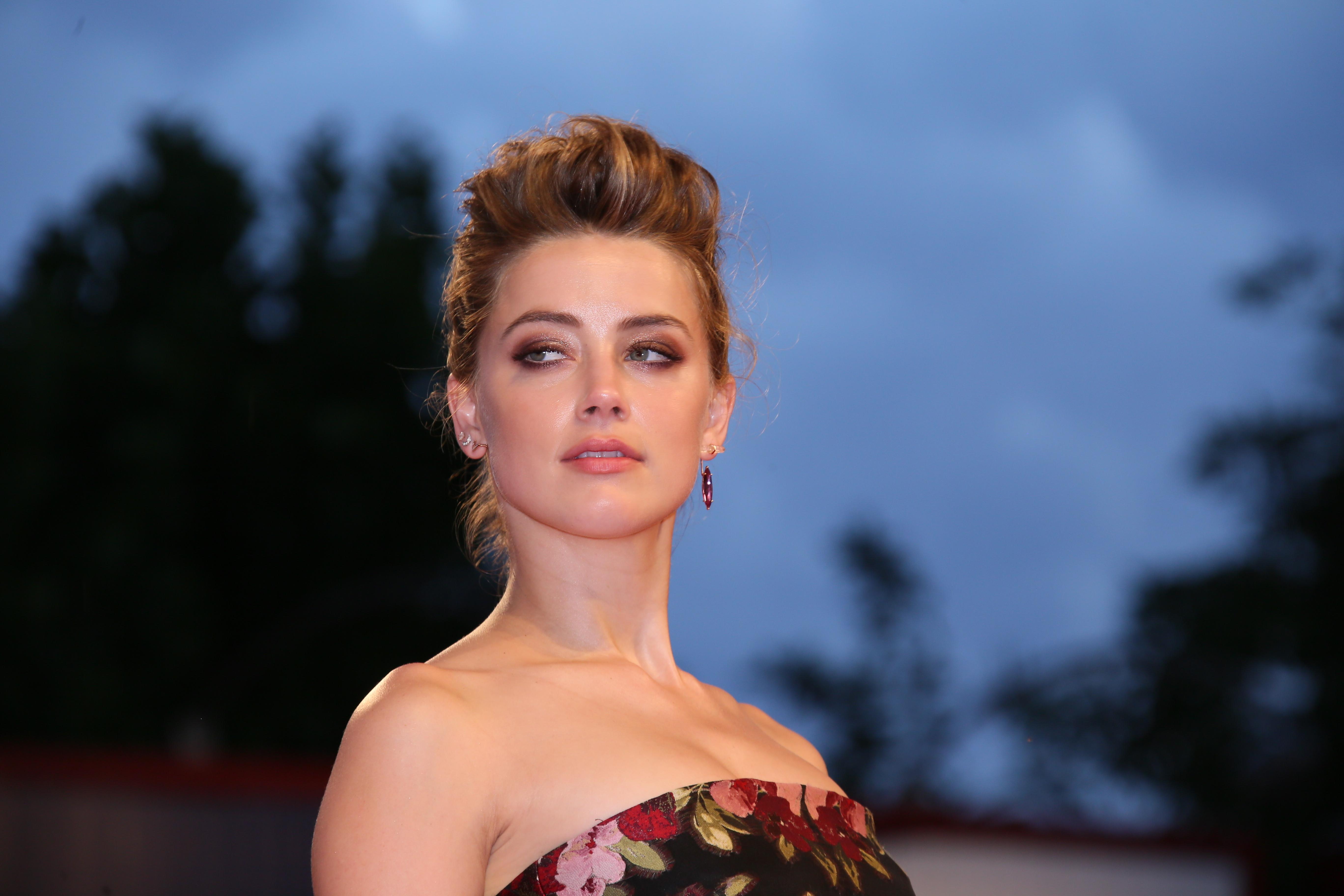 Wauw! Dit gaat Amber Heard doen met de 7 miljoen die ze van Johnny Depp krijgt