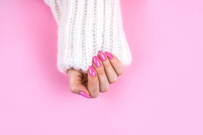 Dan maar zelf doen: zo verzorg én verwijder je zelf je gellak-nagels