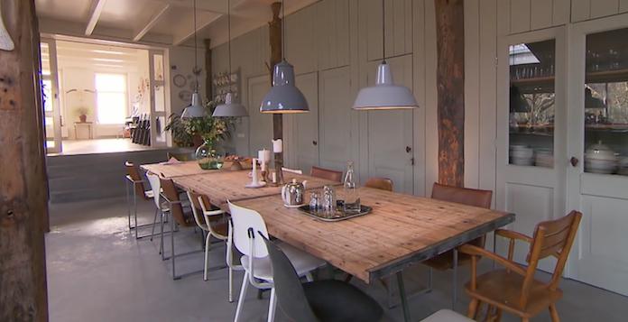 Binnenkijken: Friese boerderij met een industrieel interieur