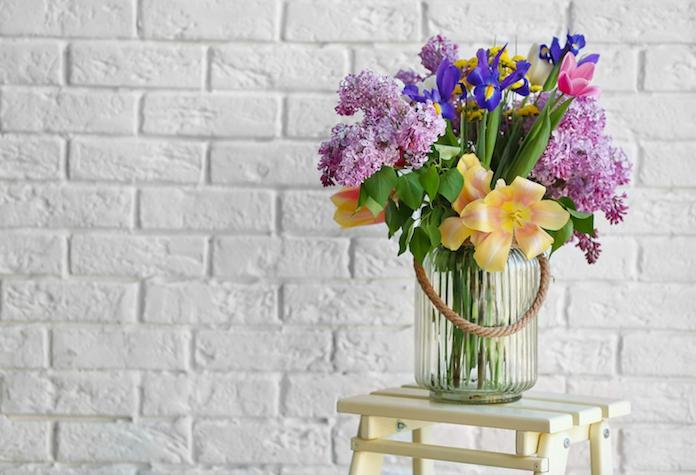 Life hack: Zo zorg je ervoor dat verse bloemen niet gaan hangen