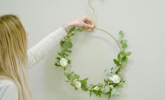 DIY: een romantische bloemenhanger voor binnen én buiten