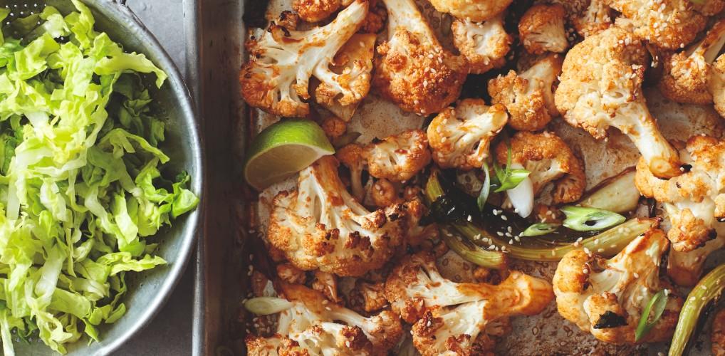 Recept uit BOSH! Healthy vegan: cats spicy bloemkool