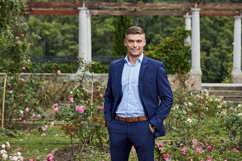 Bachelorette-deelnemer Joey deelt heftig bericht over broer: 'Hij ligt te vechten voor zijn leven'