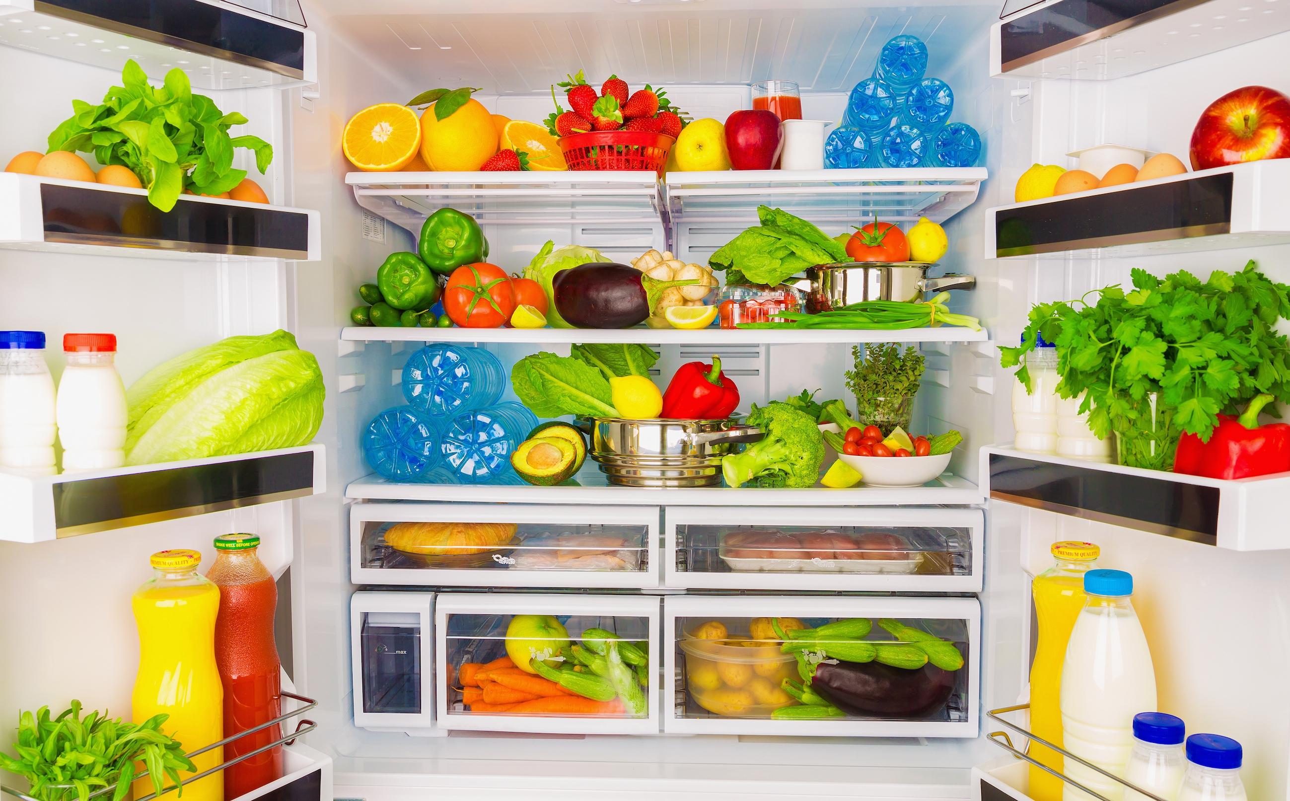 Voor eens en altijd: zó lang blijft je voedsel echt goed in de koelkast!