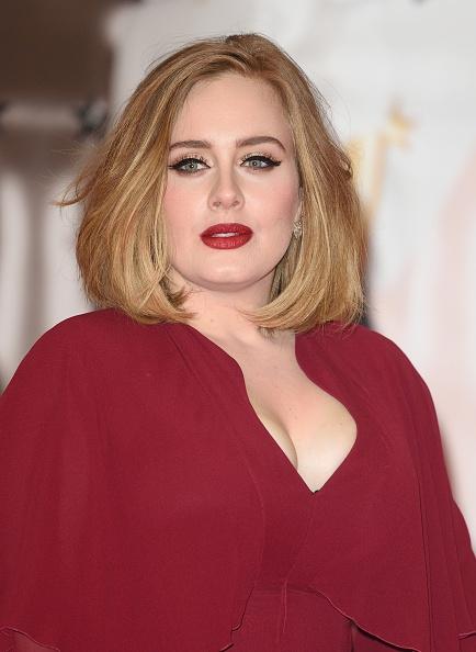 Wow! Adele heeft een dubbelgangster!