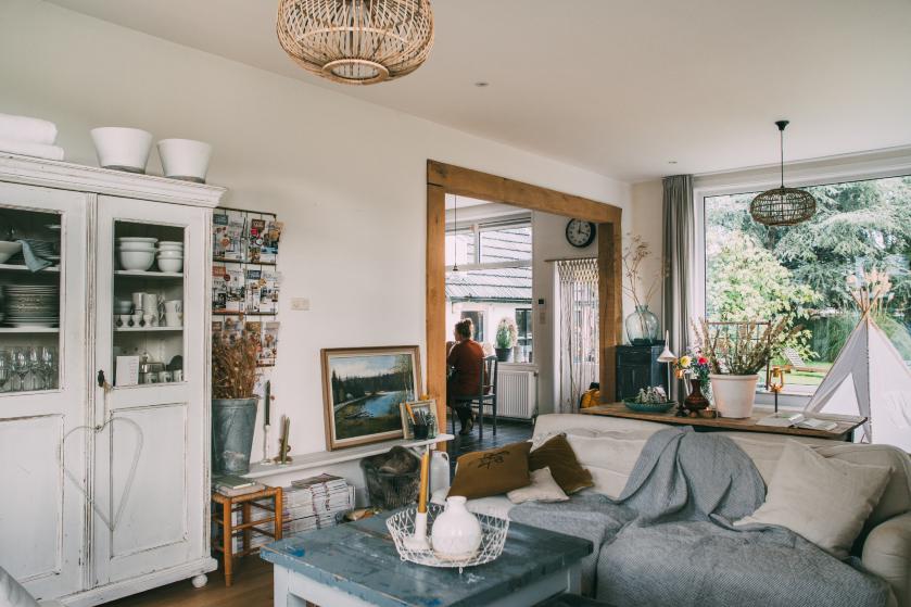 Binnenkijken bij Jantien's family home: 'Ik wilde het huis heel fris houden, in combinatie met gezellig rommelig'