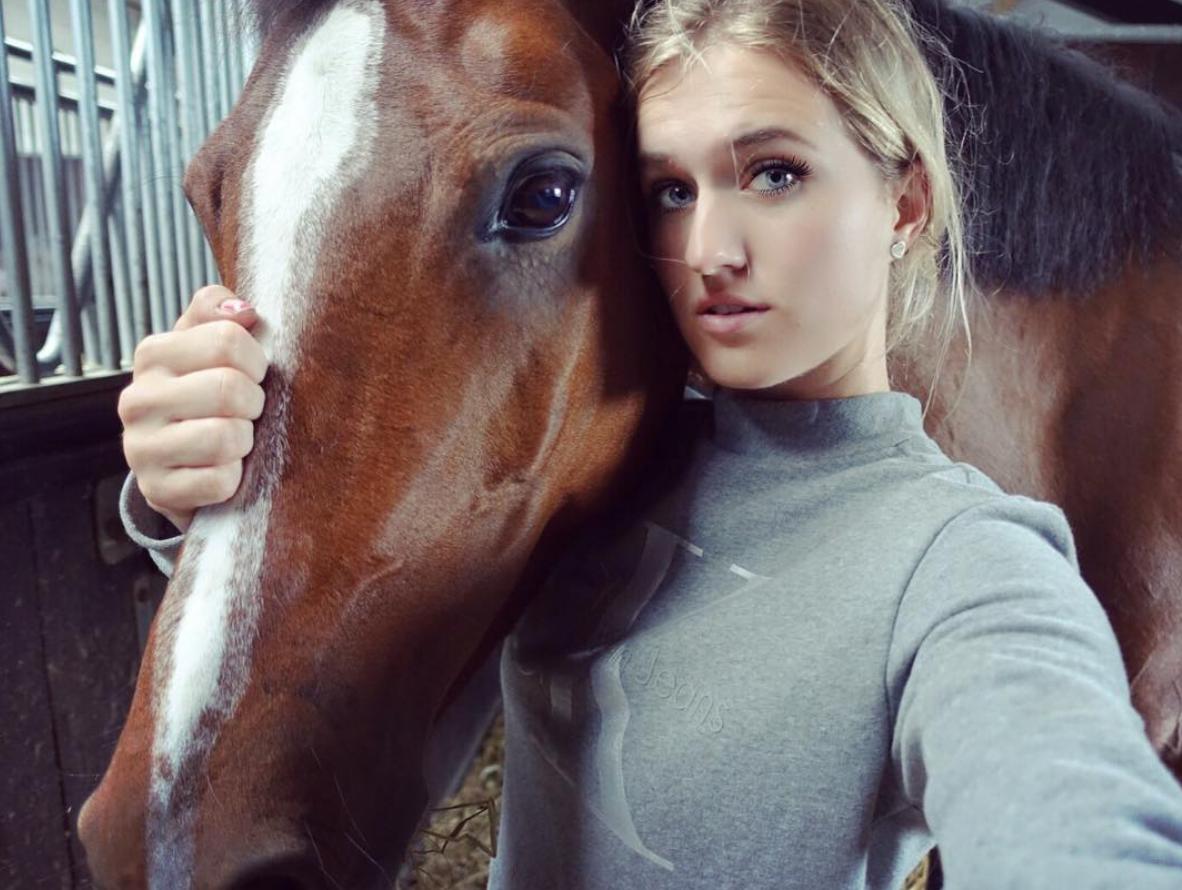 YouTube-award voor paardenkanaal Britt Dekker