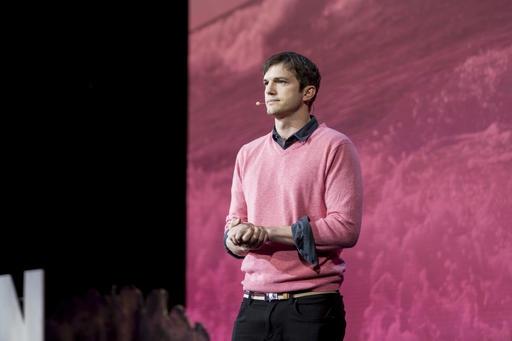 WAT?! Ashton Kutcher woonde in Airbnb's na scheiding van Demi Moore