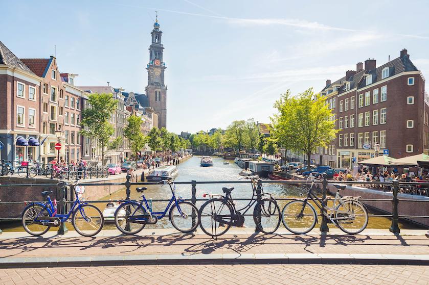 Dagje Amsterdam op de planning? Deze maatregelen neemt de stad als corona verder oplaait