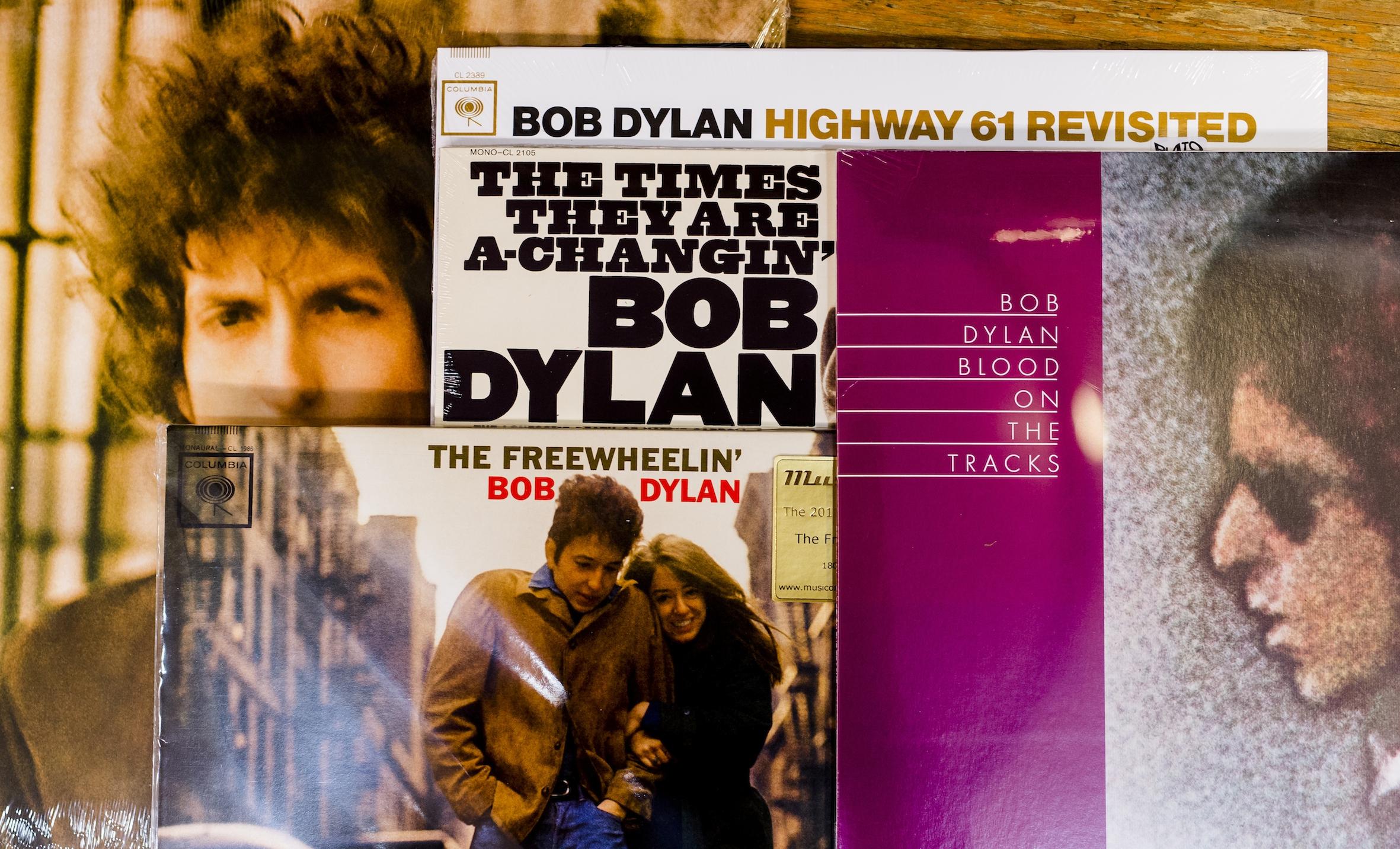 Bob Dylan reageert op winnen Nobelprijs