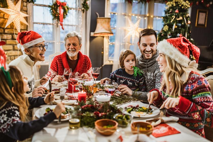 OMT geeft hoopgevend advies: met zóveel mensen mag je kerst en Oud & Nieuw vieren