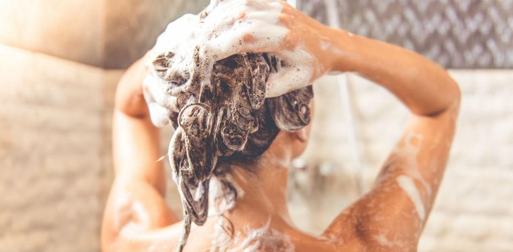 Oh no: lang douchen is slecht voor je gezondheid