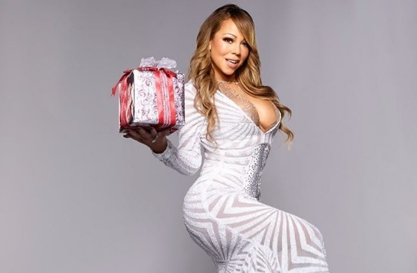 ZIEN: Mariah Carey wenst iedereen een zalige kerst met pikant kiekje