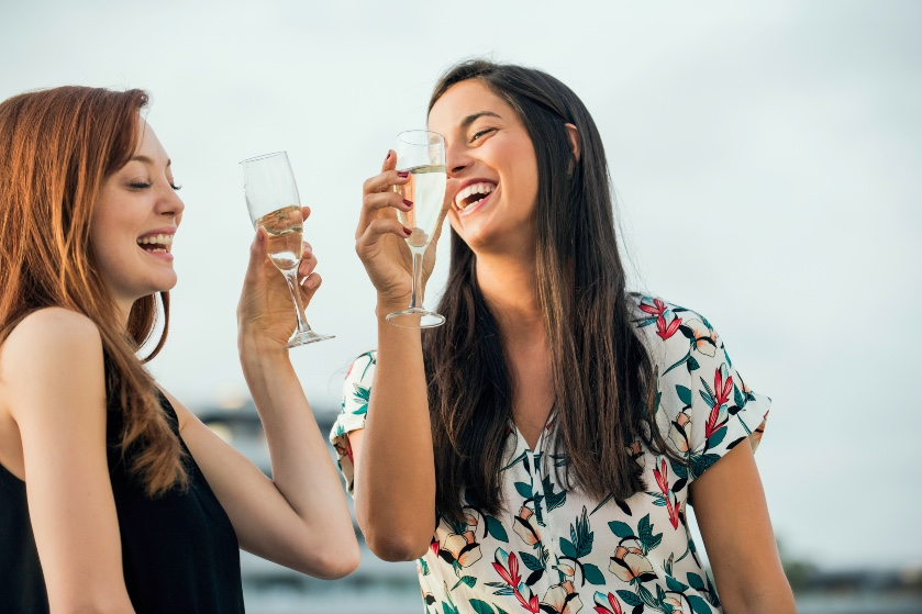 Très bien: wie alcohol drinkt, spreekt een tweede taal gelijk een stuk beter