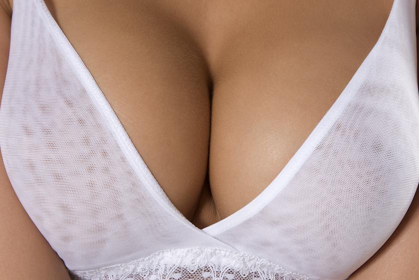 Zijn alle borstimplantaten nou onveilig? Volgens nieuw onderzoek wel: 'leg borstvergrotingen stil'