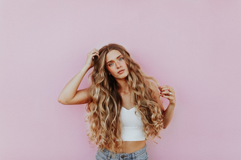 Zó gebruik je zilvershampoo in geblondeerd natuurlijk blond haar