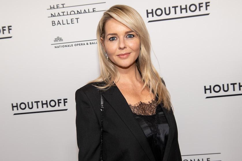 Hilarisch: Chantal Janzen helemaal klaar voor liveshows 'The Voice' dankzij zoon Bobby
