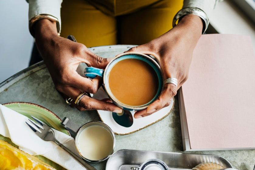 Koffie met een scheutje hete saus: dít is waarom je dat eens moet proberen
