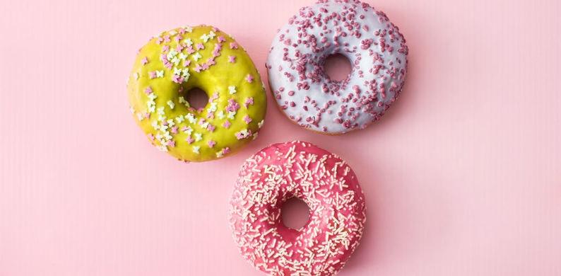 Cheers: in deze Amsterdamse winkel scoor je gouden prosecco-donuts