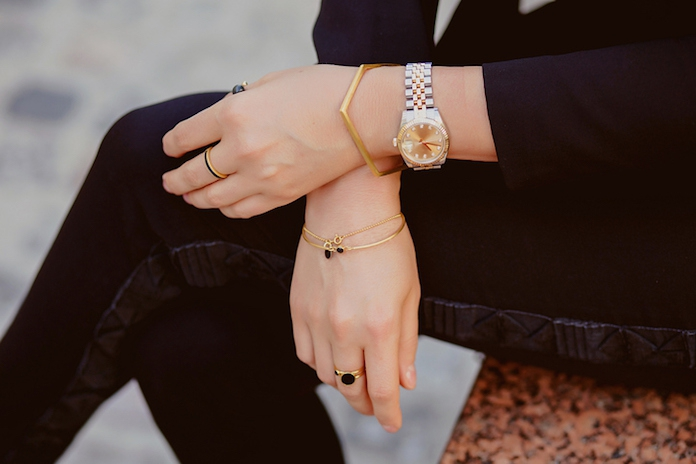 Shop, shop, shop! Met deze minimalistische sieraden steel jij de show