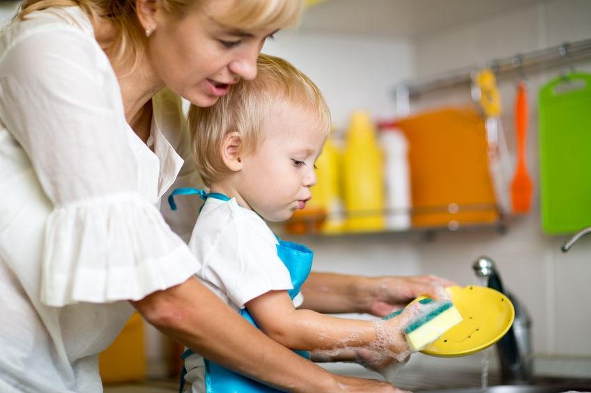 Bewezen: kinderen die meehelpen in het huishouden worden later succesvoller